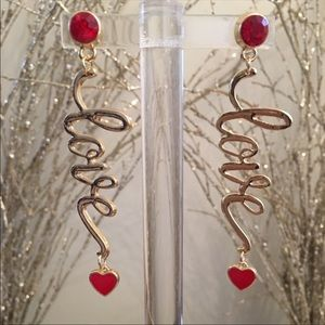 Dangling Love Earrings✨✨